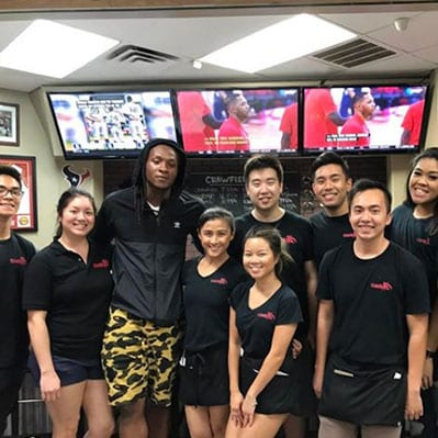 deandre hopkins eating houston crawfish at crawfish cafe